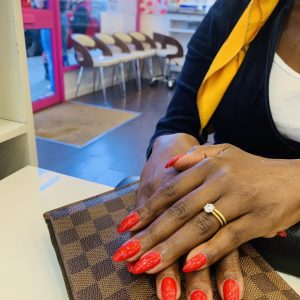 cnd shellac red colours 07064