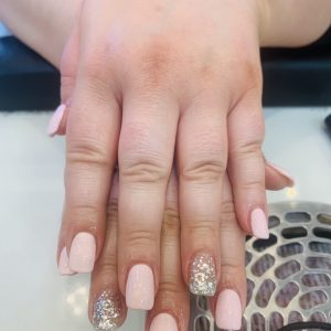 pale pink cnd shellac nails with glitter design