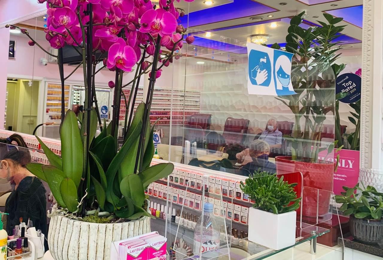 shop-interior-250421